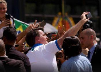Jair Bolsonaro durante protestos