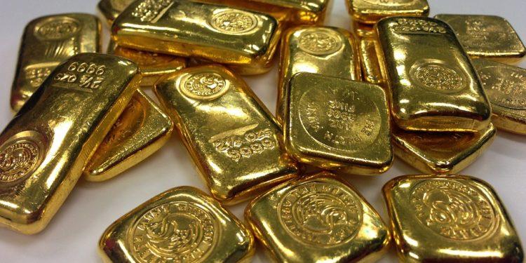 Sacola com 3 quilos de ouro